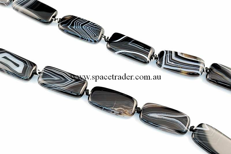 Agate - 15x30mm Rectangle Black Banded Agate Bead in 12 Pcs a Strand