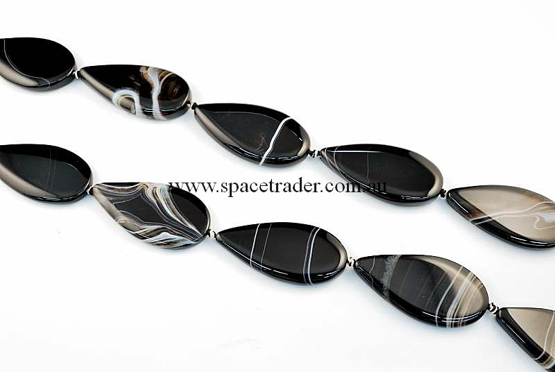 Agate - 26x50mm Teardrop Black Banded Agate Bead in 8 Pcs a Strand