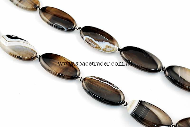 Agate - 20x40mm Oval Black Banded Agate Bead in 9 Pcs a Strand