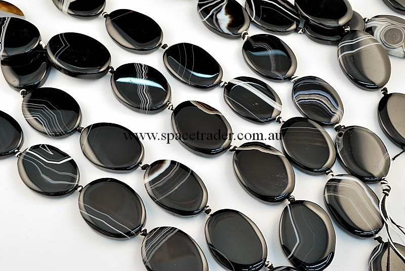 Agate - 25x34mm Oval Black Banded Agate Bead in 10 Pcs a Strand