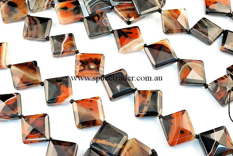 Agate - 22x22mm Faceted Diagonal Square Dream Agate Bead in 13 Pcs a Strand