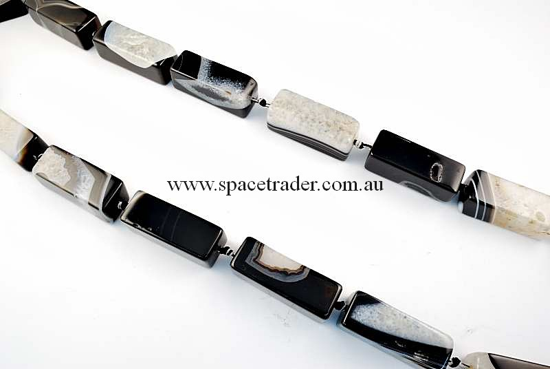 Agate - 15x15x40mm Rectangle Pillar Black Banded Agate with Inclusion Bead in 9 Pcs a Strand