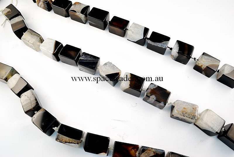 Agate - 15x15x20mm Rectangle Pillar Black Banded Agate with Inclusion Bead in 18 Pcs a Strand