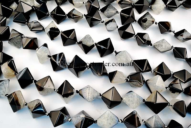 Agate - 18x18x20mm Square Pyramid Black Banded Agate with Inclusion Bead in 16 Pcs a Strand
