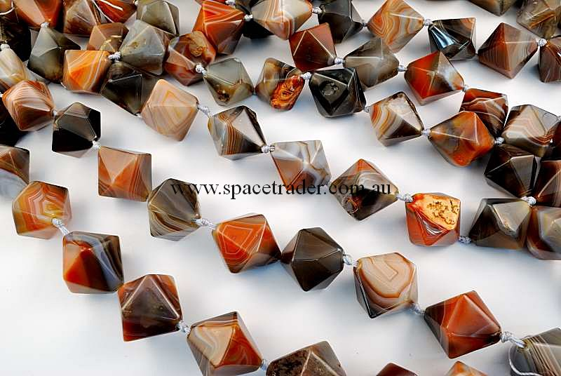 Agate - 24x30mm Faceted Bicone New Botswana Agate in 12 Pcs a Strand