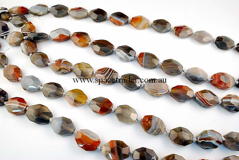 Agate - 17x23mm Faceted Oct-Rectangle New Botswana Agate in 16 Pcs a Strand