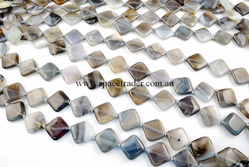 Agate - 18x18x22mm Diagonal Square Grey Banded Agate in 18 Pcs a Strand