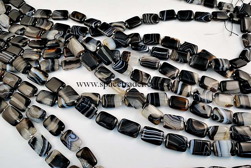 Agate - 13x18mm Puffed Oval Black Banded Agate in 20 Pcs a Strand