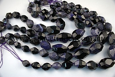 Agate - 14x20mmx8, 20x27mmx6, 23x34mmx3 Faceted Nugget Black Agate with inclusion in Dye Purple Colour in 17 Pcs a Strand