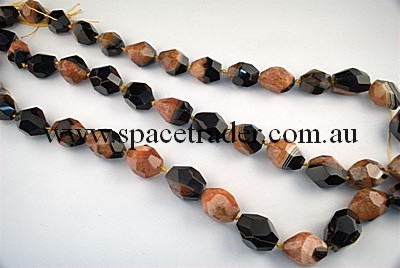 Agate - 18x22mm Faceted Nugget Black Agate with Inclusion in Dye Orange Colour in 14 Pcs a Strand