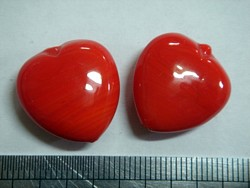 glass - 1828-031 - 18mm heart - opaque red x 1 KG